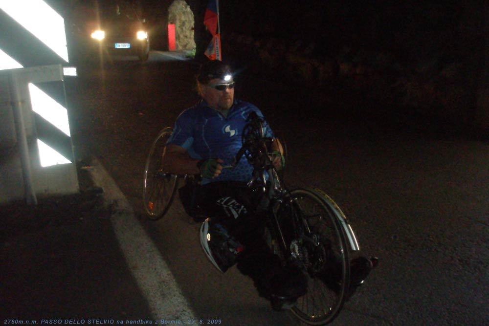 S handbikem v tunelu na PASSO DELLO STELVIO 27. 8. 2009