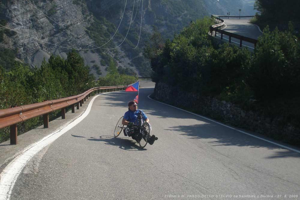 Nájezd do 31. tornanti - s handbikem na druhý nejvyšší průsmyk v Evropě 27. 8. 2009