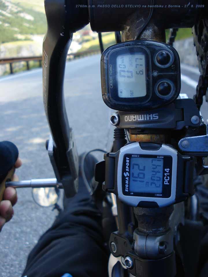 Průběžné kilometry, tep a doba jízdy na PASSO DELLO STELVIO 27. 8. 2009