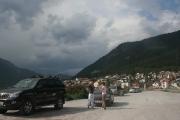 Zastavení ve vesničce Resia na břehu jezera Resia (Lago di Resia)