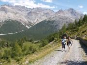 Jana a Jindřiška na cyklostezce vedoucí od jezera Cancano(Lago di Cancano) do Livigna přes passo Alpisella